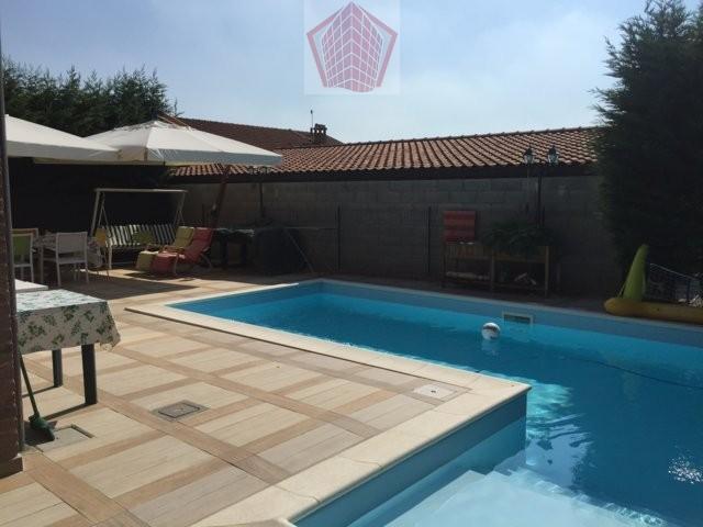 Mezzanino PV VENDITA Raffinata Villa con piscina Rif.383