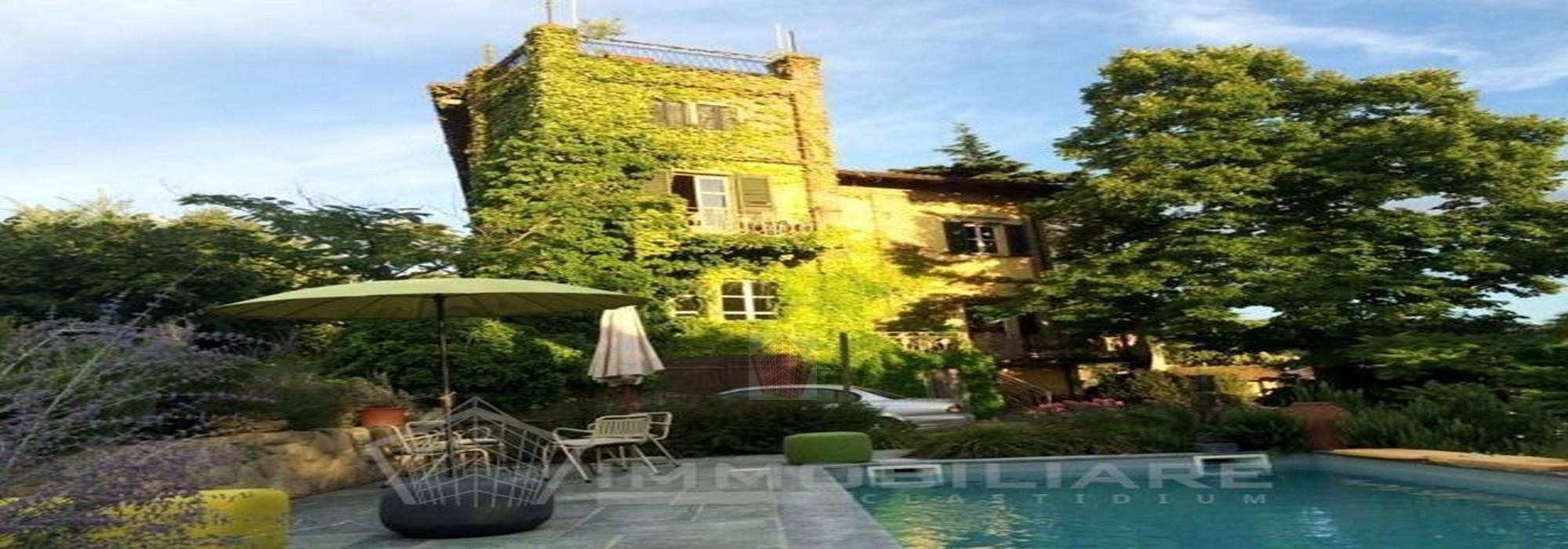 Borgo Priolo (PV) VENDITA Dimora storica con piscina Rif. C354