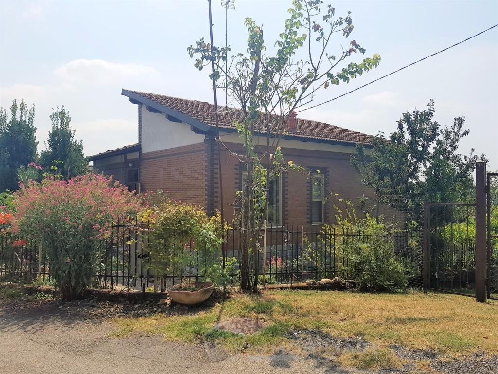 Montalto Pavese (PV) VENDITA villetta con giardino Rif. C304