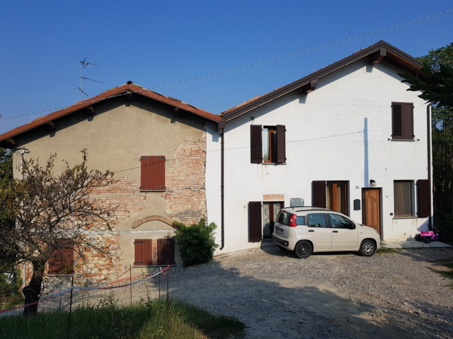 CORVINO SAN QUIRICO PV VENDITA Casa singola con depandence e giardino Rif. C317