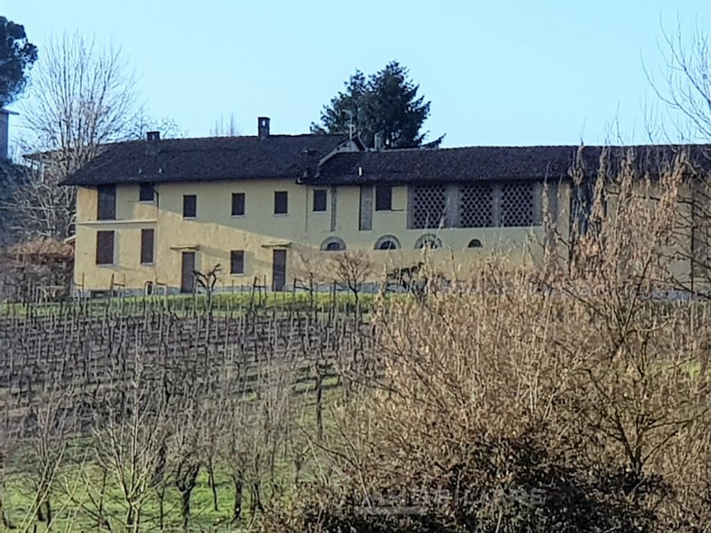 Torricella Verzate (PV) VENDITA Oltrepò Pavese Proprietà in posizione panorRif. C335