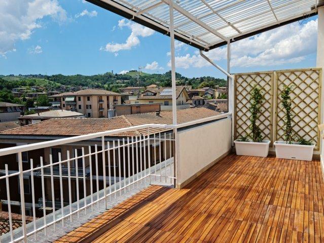 Stradella (PV) Centro VENDITA  Appartamento attico con riscaldamento autonomo Rif. 645
